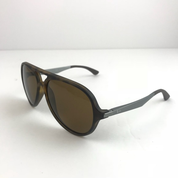 71d132caf6 RAY-BAN sunglasses RB4235 polarizes cheetah brown.  M 5b7b4d175fef37cd436b626b. Other Accessories ...